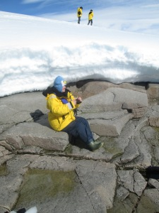 Bossymamma, Extreme Knitting in Antarctica!